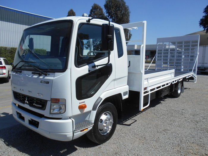2015 Mitsubishi Fighter BEAVERTAIL WHITE