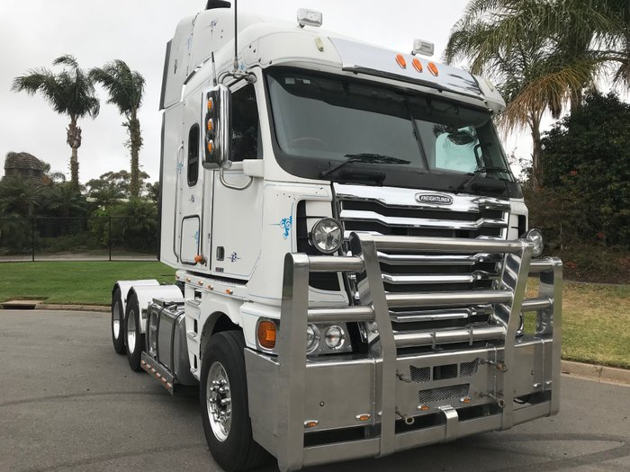 2013 Freightliner Argosy 101quot White