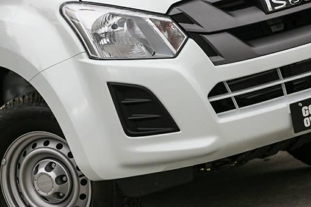 2018 Isuzu D-MAX SX High Ride MY18 SPLASH WHITE