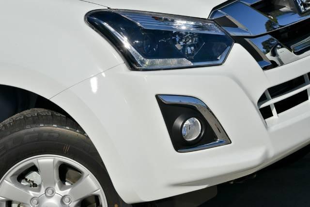 2018 ISUZU D-MAX LS-M DUAL CAB MY18 SPLASH WHITE