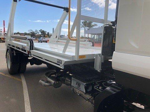 2018 Isuzu FVR 165-300 NEE// 8T RTG HYVA SKIP LOAD WHITE