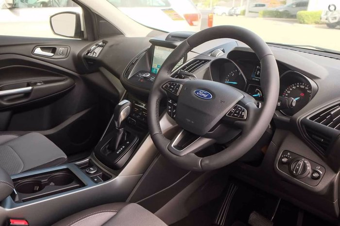 2018 FORD ESCAPE Trend ZG White Platinum