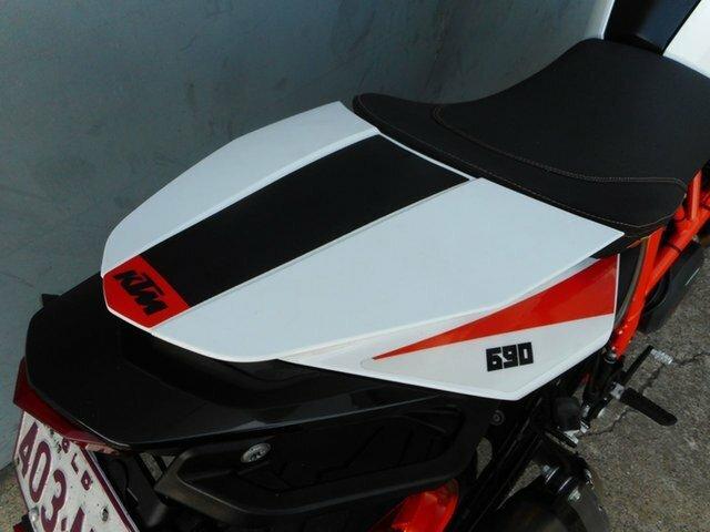 2015 KTM 690 DUKE R White