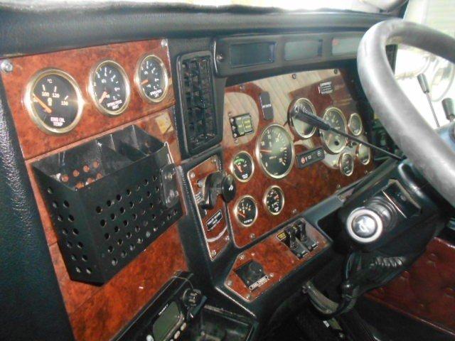 2011 Kenworth T609 fuel haul kit