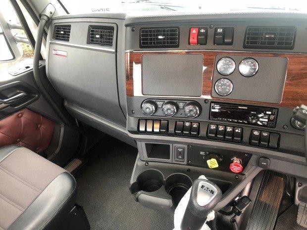 2018 Kenworth T610SAR Day Cab White