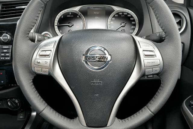 2018 NISSAN NAVARA ST-X DUAL CAB D23 S3 COSMIC BLACK