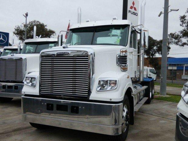 2018 Freightliner Coronado Coronado 114 White