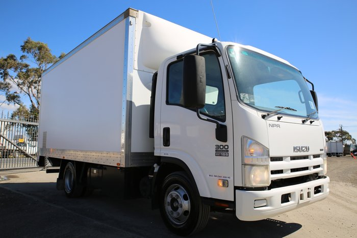 2008 Isuzu NPR300 EX GOVERNMENT / LOW KILOMETRES WHITE