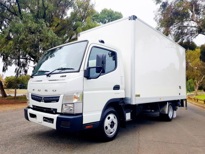 2018 FUSO CANTER 515 WIDE CAB AMT PAN & LOADER & CAR LICENCE null null null