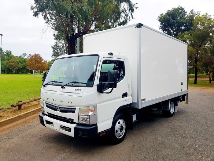 2018 FUSO CANTER 515 WIDE AMT - PAN + LOADER & CAR LICENCE null null White