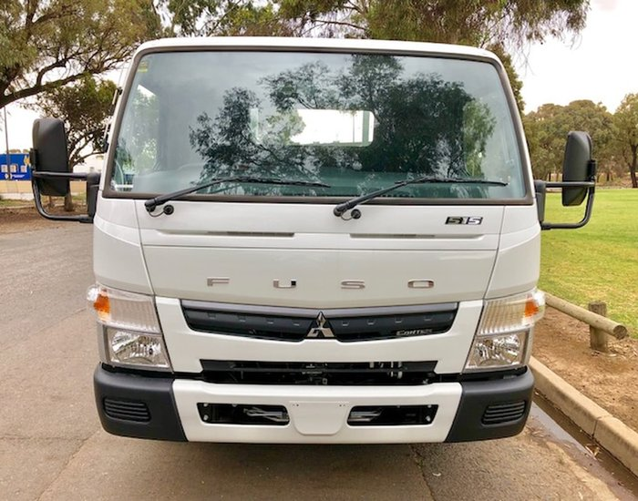 2018 FUSO CANTER 515 WIDE AMT READY TO GO & CAR LICENCE null null White