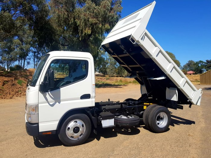 2018 FUSO CANTER 615 CITY CAB 3 SEATER 3T TIPPER
