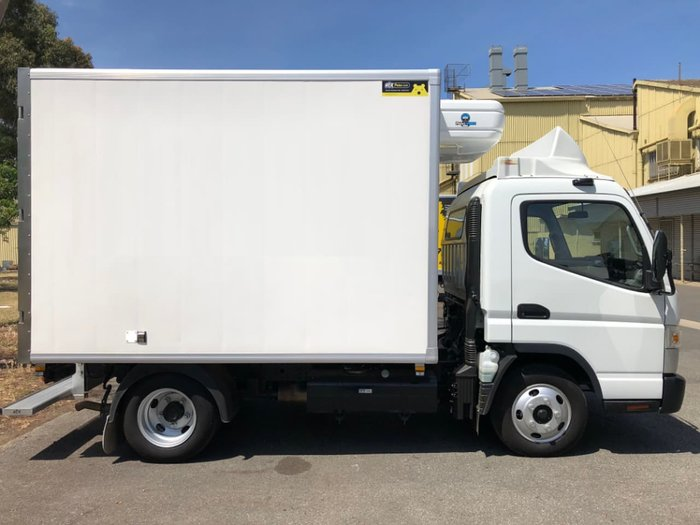 2018 FUSO CANTER 515 WIDE FRIDGE ** DEMO PRICES SLASHED BELOW COST ** null null White