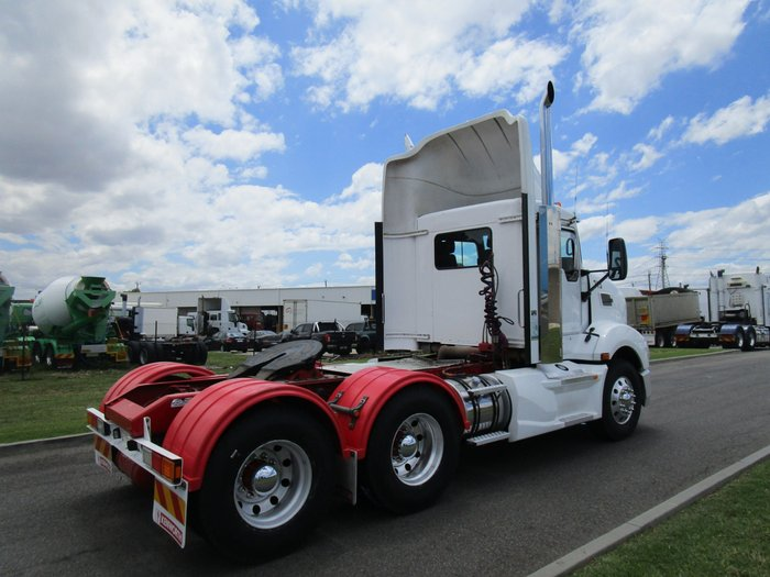 2014 Kenworth T409 WHITE