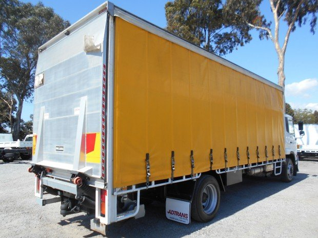 2013 UD PK16 250 12 PALLET CURTAINSIDER WHITE