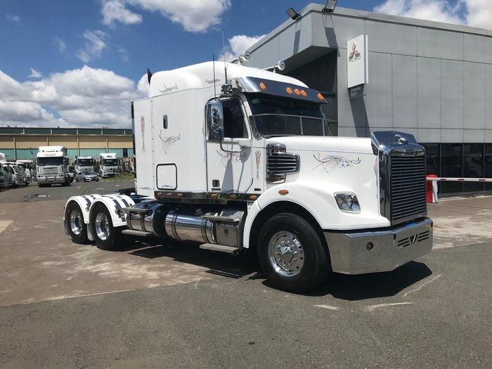 2012 Freightliner Coronado CORONADO 122 WHITE