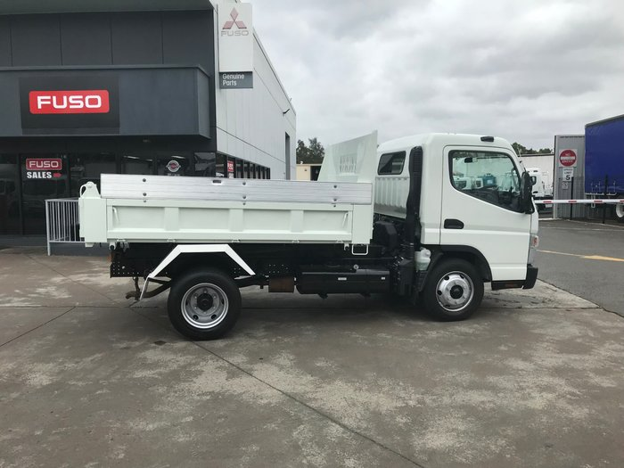 2015 Mitsubishi Canter 715 Wide canter 715 factory tipper WHITE
