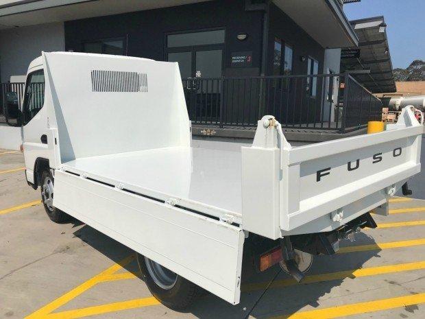 2018 Fuso Canter 615 FEA61BR4SFAC 615 WHITE