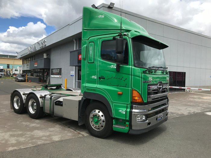 2013 Hino SS - 700 Series HINO SS 700 SERIES PRIME MOVER GREEN