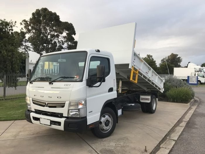2017 FUSO CANTER 918 MAN 5T SPLIT SIDE TIPPER READY TO GO null null White