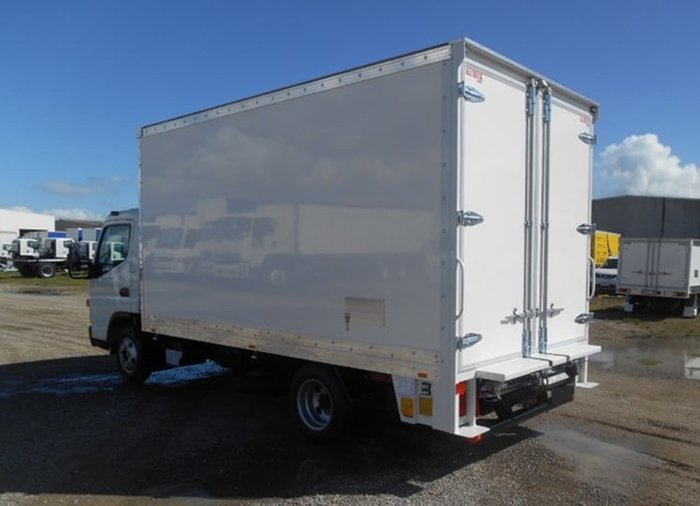 2018 FUSO CANTER 515 WIDE CAB AMT PAN & LOADER & CAR LICENCE null null White