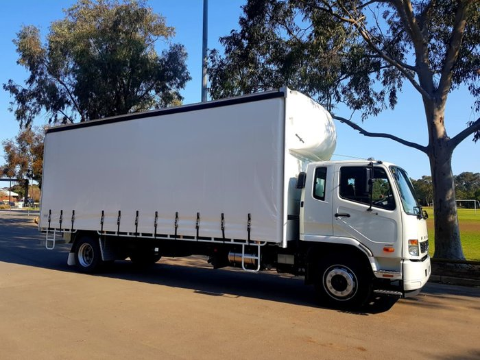 2018 FUSO FIGHTER 1627 AUTO 12 PALLET TAUTLINER ** null null WHITE