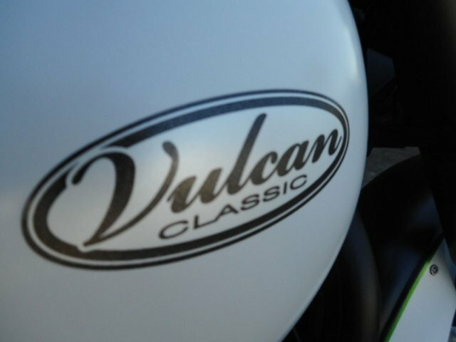 2016 Kawasaki VULCAN 900 (VN900) CLASSIC BLACK