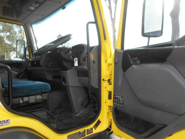 2005 DAF LF 55 YELLOW