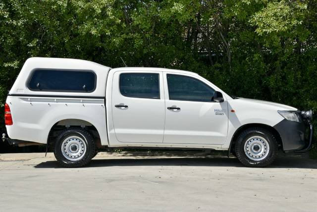 2013 TOYOTA HILUX WORKMATE DUAL CAB TGN16R