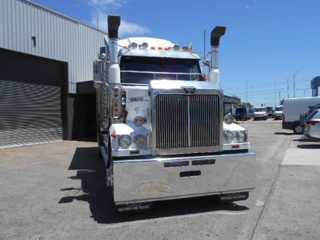 2011 Western Star 4864F alloy body