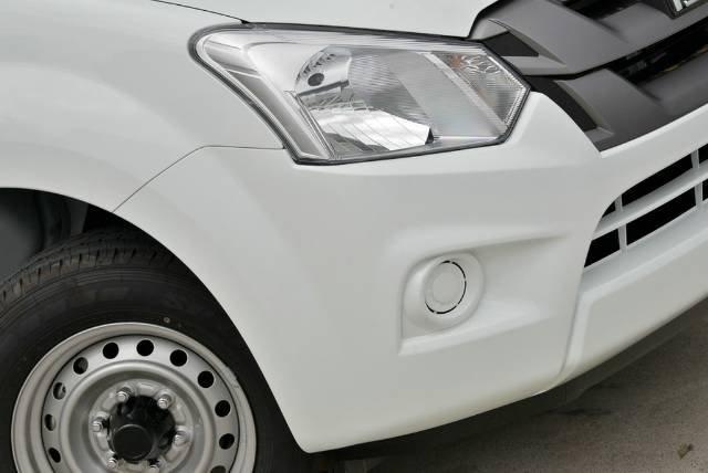 2018 Isuzu D-MAX SX MY18 WHITE SPLASH