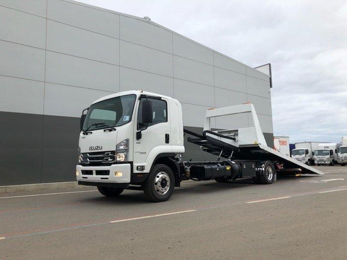 2018 Isuzu FVY 240-300 6x4 NEE// TANDEM TILT S/IDER