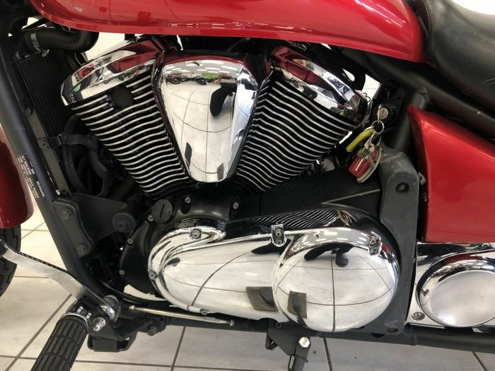 2010 Kawasaki VULCAN 900 CUSTOM Red