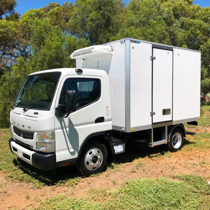 2018 FUSO CANTER 515 MAN WIDE CAB TRS FRIDGE & 240V ST/BY READY TO GO null null null
