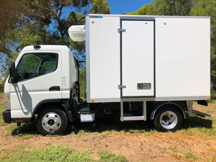 2018 FUSO CANTER 515 MAN WIDE CAB TRS FRIDGE & 240V ST/BY READY TO GO null null White