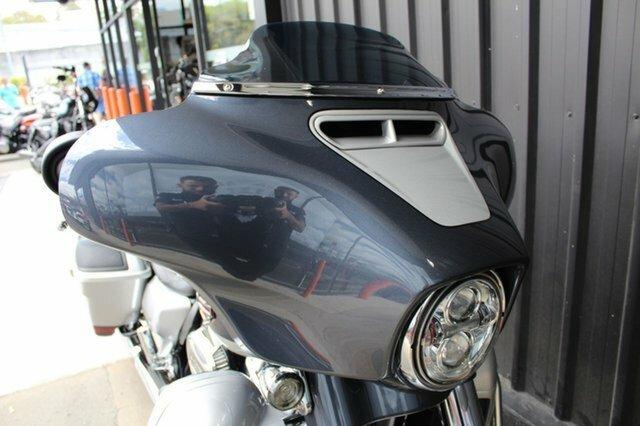 0 Harley-davidson 2019 HARLEY DAVIDSON 1900CC FLHXSE CVO STREET GLID Charred Steel/Lightning Silver