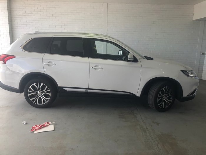 2017 Mitsubishi Outlander LS ZK MY18 4X4 On Demand White
