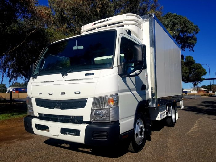 2018 FUSO CANTER 515 WIDE CAB AMT BUILT READY FRIDGE null null WHITE