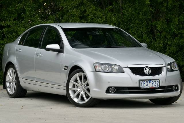 2011 Holden Calais V VE Series II MY12 SILVER