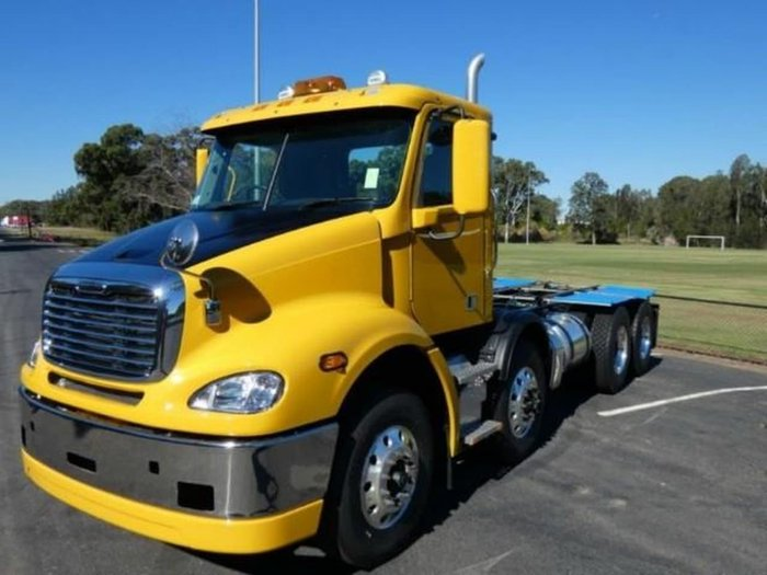 2019 FREIGHTLINER COLUMBIA CL112 COLUMBIA CL112 8 X 4