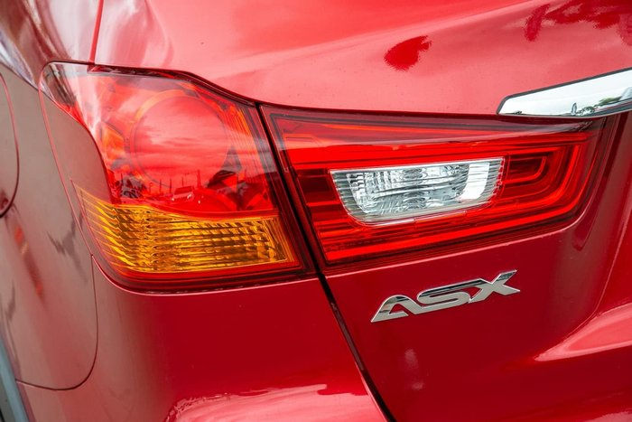 2018 Mitsubishi ASX ES XC MY19 Red