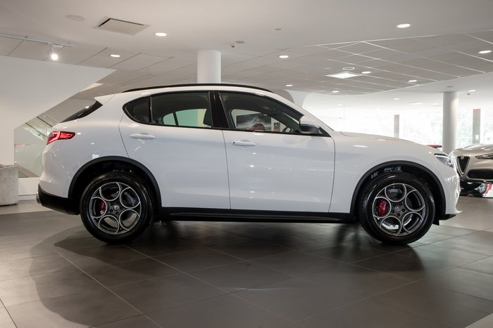 2018 Alfa Romeo Stelvio 4X4 On Demand Alfa White