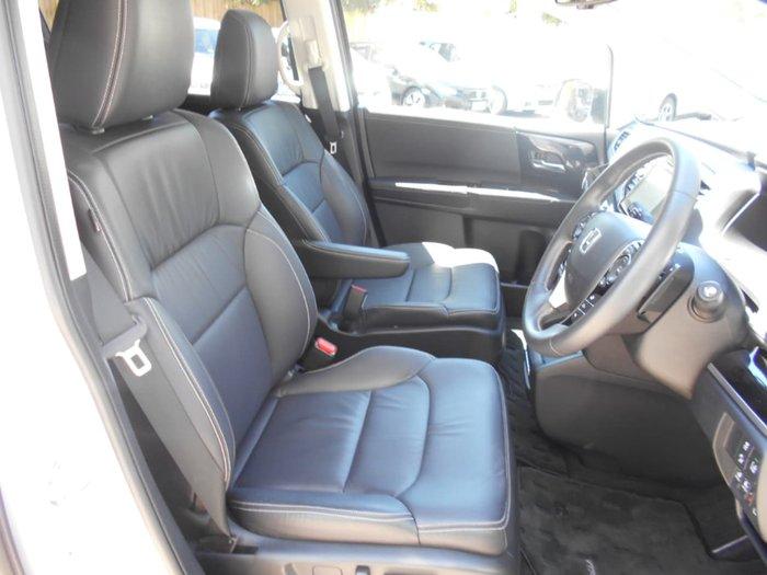 2018 Honda Odyssey VTi-L 5th Gen MY18 White