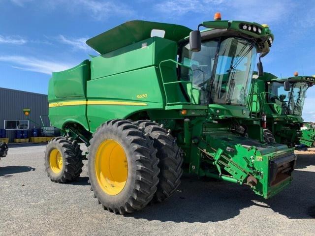 2013 John Deere Combine Harvesters S670 640D Harvester Green