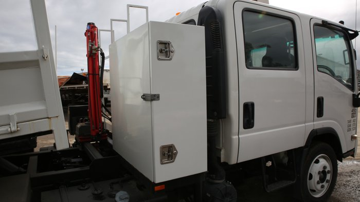2008 Isuzu NQR450 WHITE