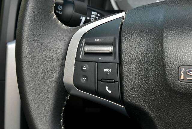 2018 Isuzu D-MAX LS-U MY18 4X4 Dual Range TITANIUM SILVER