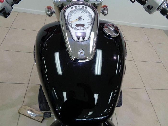 2011 Suzuki VL800T (BOULEVARD C50T) Black