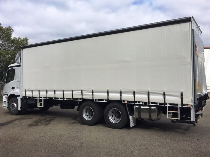 2018 MERCEDES-BENZ ACTROS 2635 6X4 14 PALLET CURTAINSIDER null null White