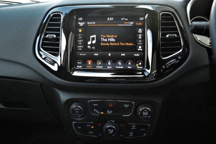 2018 Jeep Compass Limited M6 MY18 4X4 On Demand GLOSS BLACK