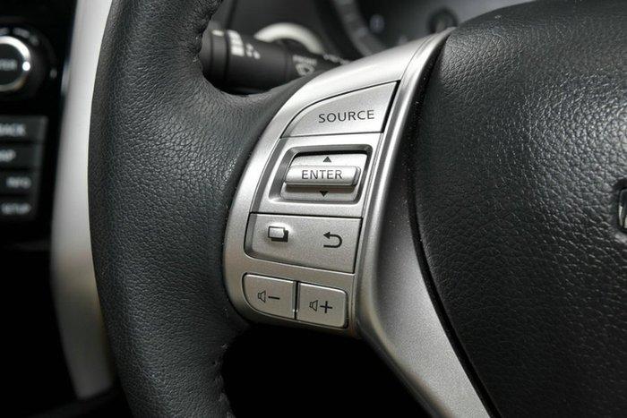 2019 Nissan Navara ST-X D23 Series 3 4X4 Dual Range BRILLIANT SILVER